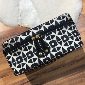 💎 NWOT Estée Lauder Black & Cream Makeup Bag